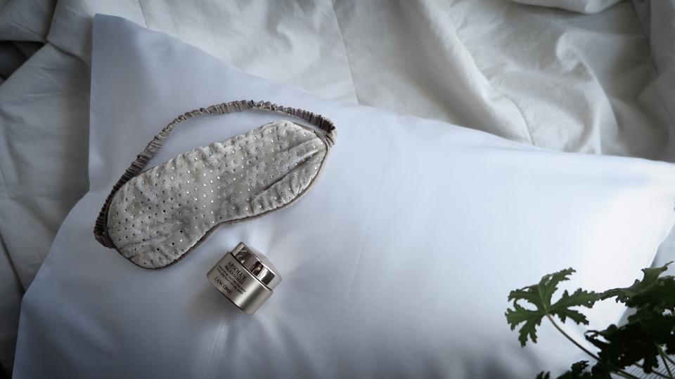 Sova på örngott med silver