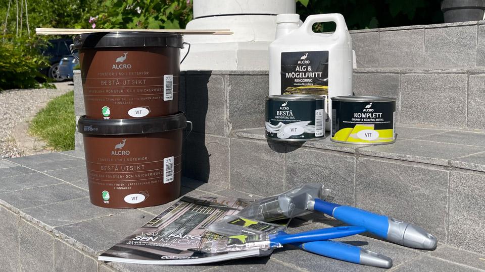 Så målar du staket och räcken